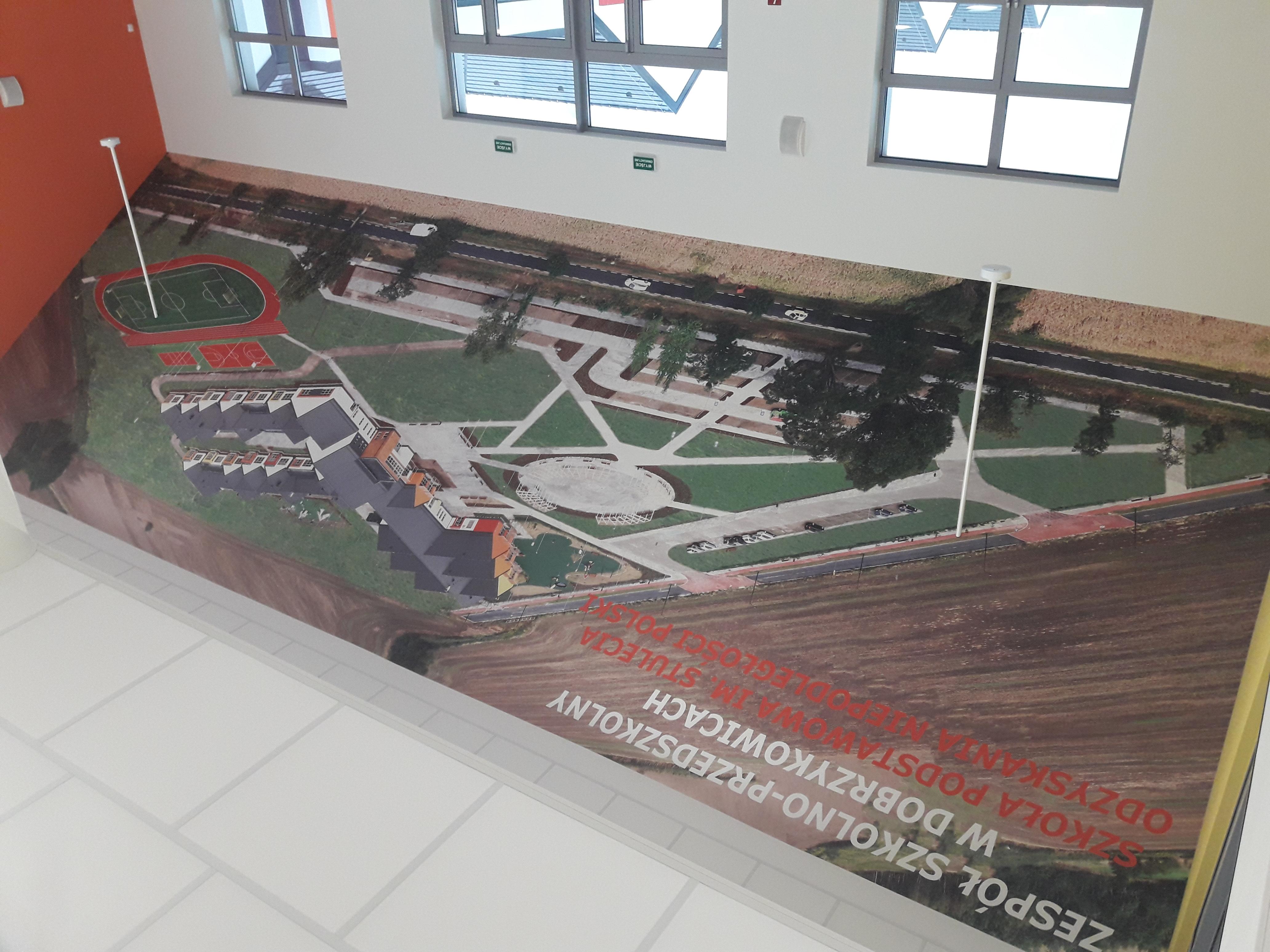 realizacja-fototapety-dla-szkola-dobrzykowice18.jpg