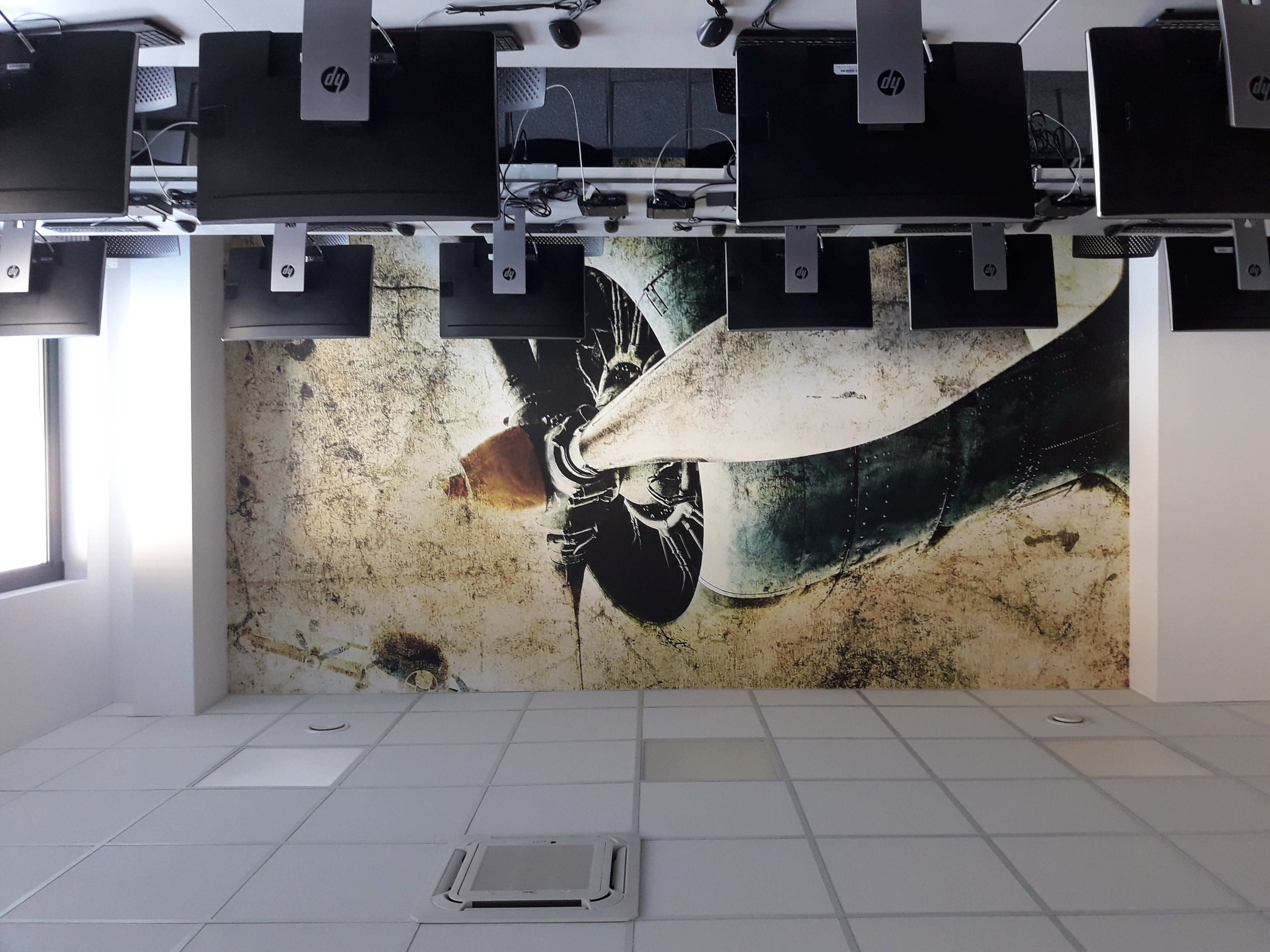 realizacja-fototapety-dla-xeos10.jpg